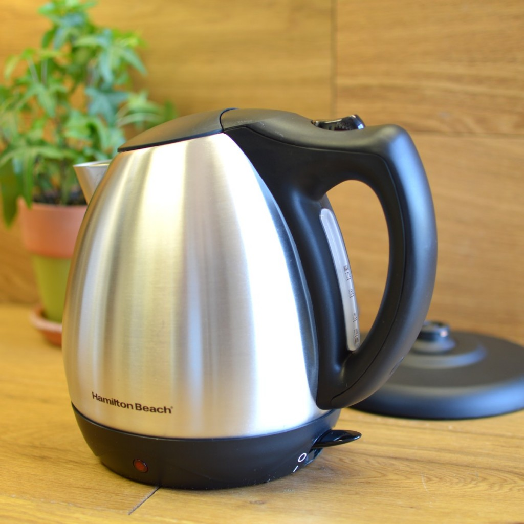 Hamilton Beach 40870 Stainless Steel Electric Kettle 3